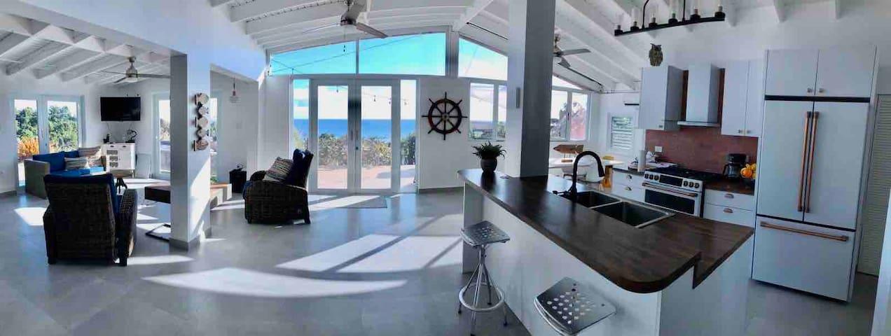 La McArena Beachfront Villa Retreat Private Pool