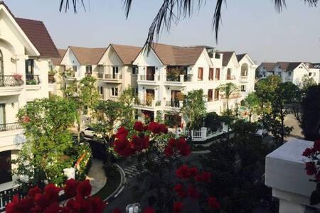 Hanoi rest n go - Việt Hưng - Villa