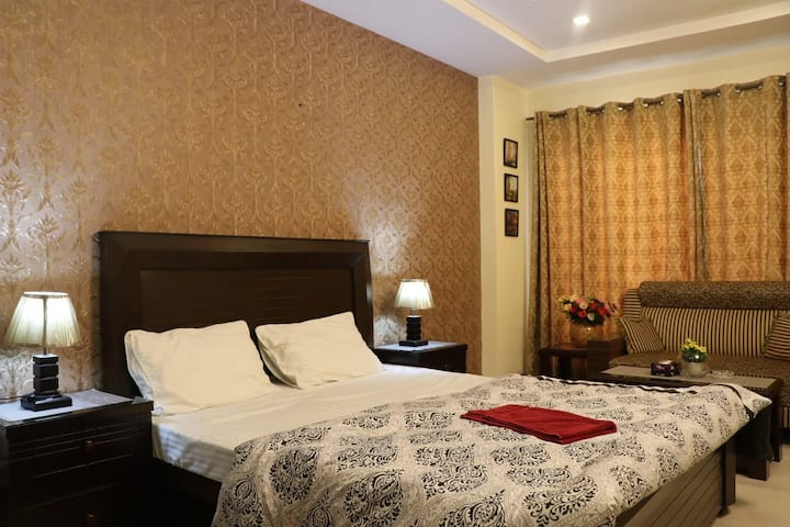 Cozy Studio Apartment in Bahria Town