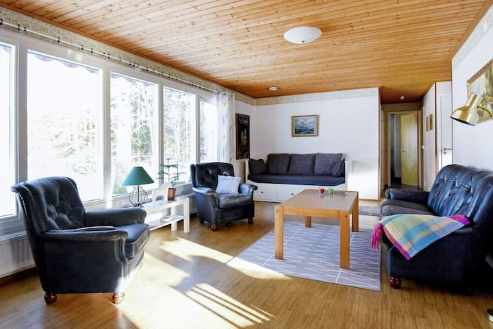 6 person holiday home in FRÄNDEFORS