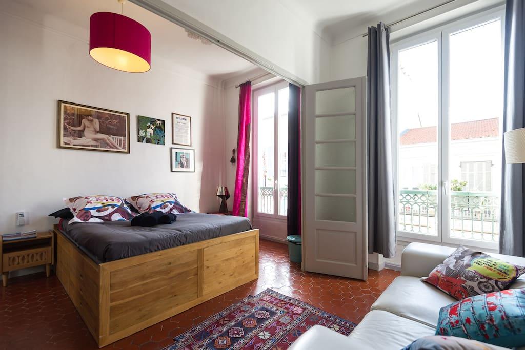 Chambre de 20 m2 avec coin salon appartements louer for Chambre a louer nice