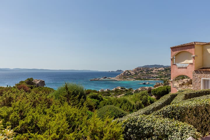 Romantic getaway by the beach in La Maddalena - La Maddalena