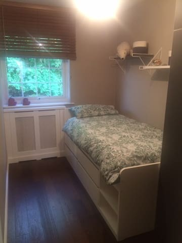 bedroom in East Greenwich