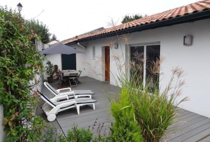 Bidart à proximité : jolie maison dans village - Arbonne - Ev