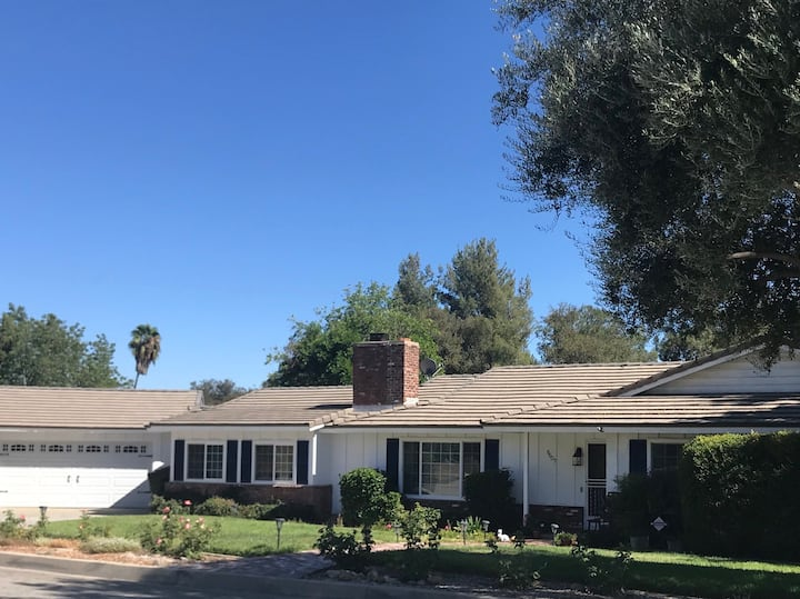 Rancho Cucamonga Peaceful, 1/2 Ac. Home  1 or 2 rm