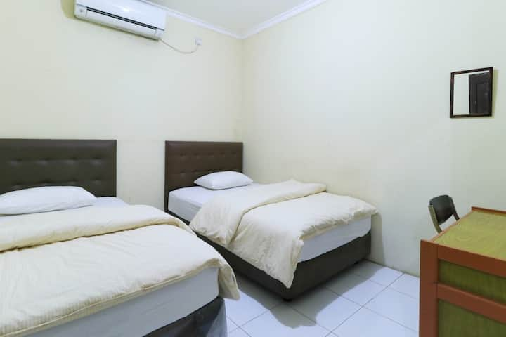 Affordable Std Double Room @ Guest House Samarinda