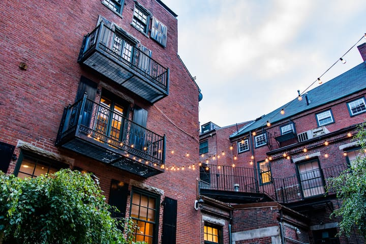 Historic townhouse in center of Boston