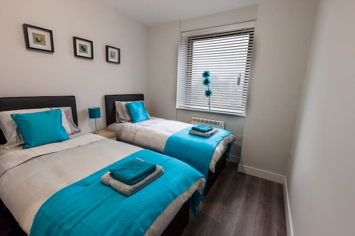 NEW Luxury 2Bed 2Bath Apt, 1 minute Barnet Station - New Barnet - Apartmen