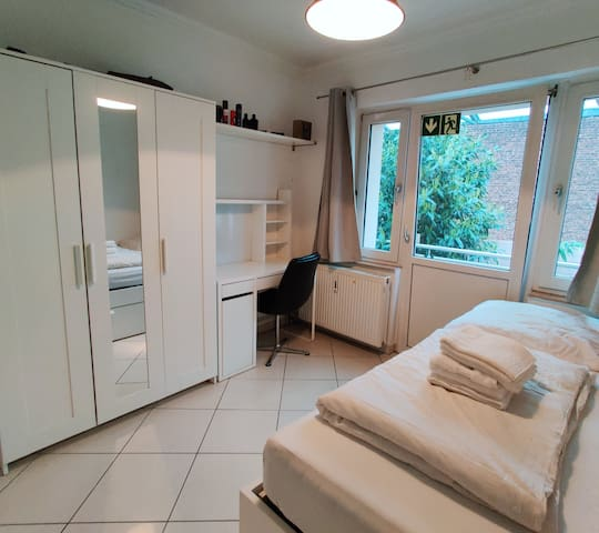 Appartement mitten in Köln-Ehrenfeld (Central)