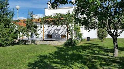 Modern house 7 km from Gjilan