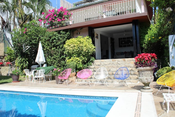 BEAUTIFUL FAMILY HOUSE WITH SWIMING POOL