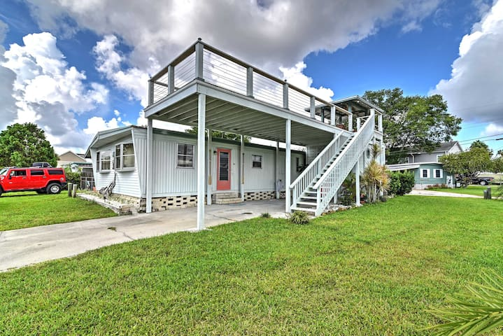 2BR Home w/ Fire Pit on the Homosassa River!