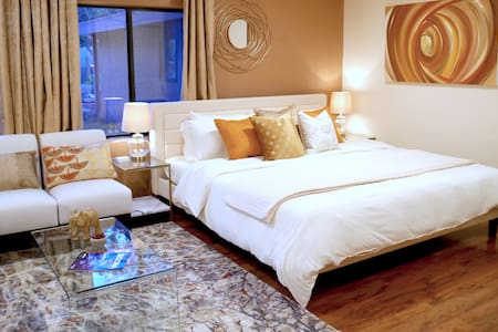 Luxurious King Bed Suite ☆ Next to Trails & Creek!