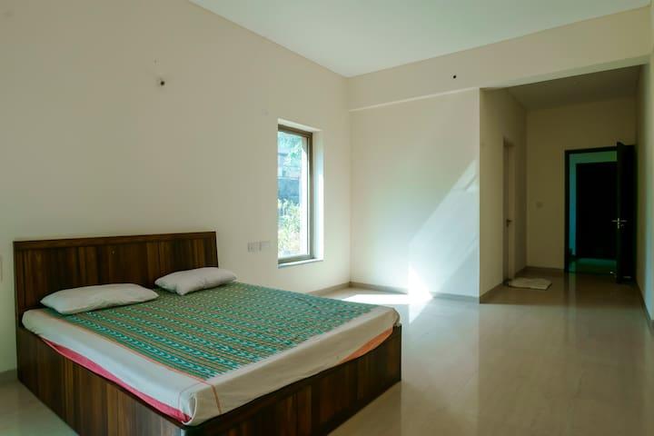 Spacious Lake facing 3 Bedroom Villa - Lavasa - Villa