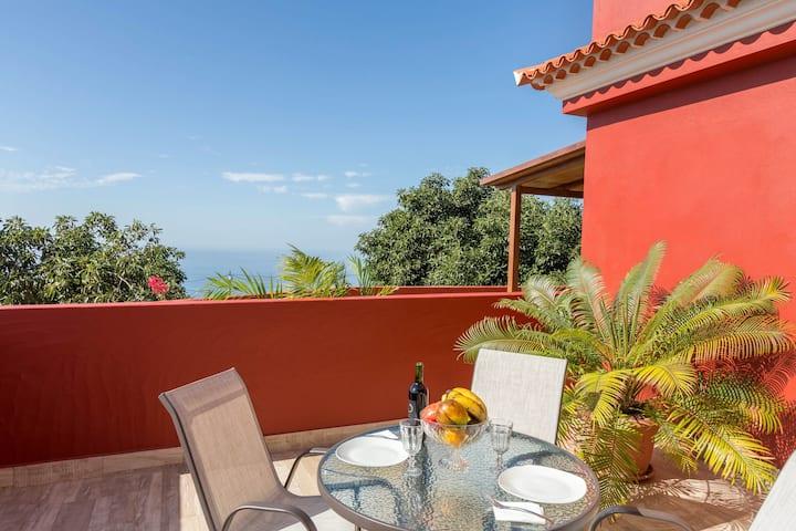 "Holiday Apartment ""Casa Quintana - Apartamento Ángela"" with Sea View, Mountain View, Terrace & WiFi"