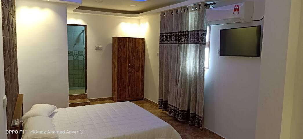 Cozy Hotel type Single Rooms
