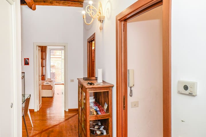 PANTHEON 2 - LARGE APARTMENT IN THE HEARTH OF ROME