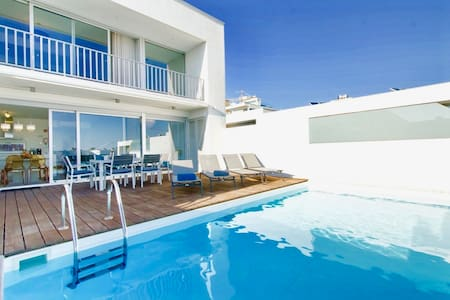Modern Villa with private pool in Albufeira.