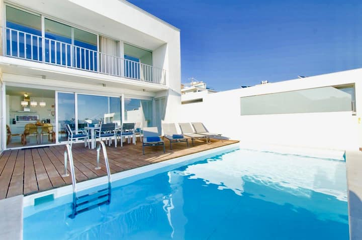 Villa Luz with private heated pool in Albufeira.