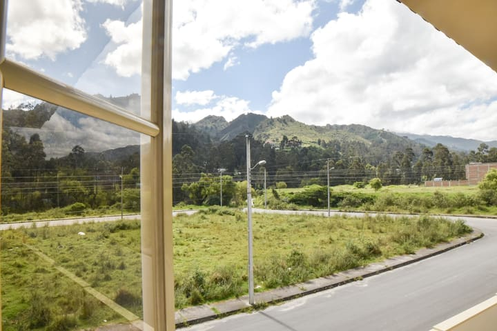 Chilalo Suite - Scenic Window View near University