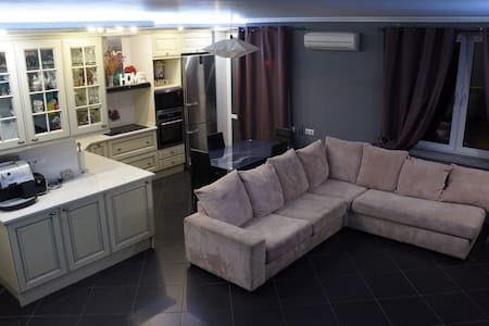 Luxury flat near Airport Boryspol and 5min metro!