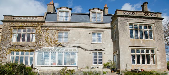 Self-contained apartment close to Bath