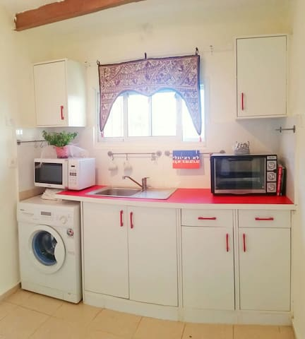 Central, romantic and well equipped  home - Haifa - Appartement
