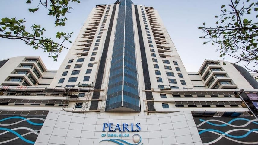 Pearls of Umhlanga Deluxe Bachelor Apartment