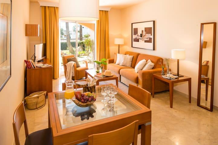 Select Marina Park - Superior One Bedroom