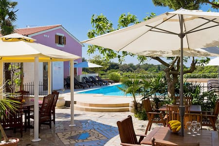 Apt with pool close to the beach - 普拉 - 公寓