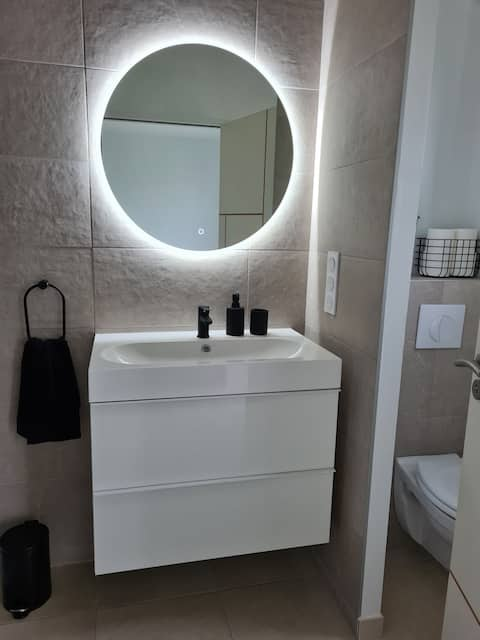 Chambre privée avec salle de bain
