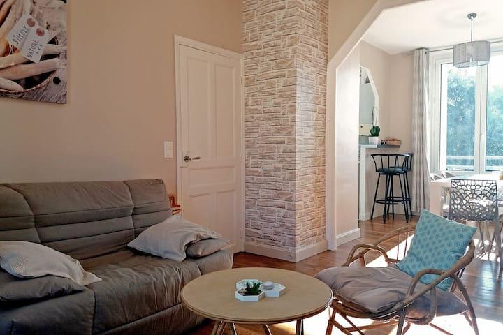 Appartement de deux chambres lumineux et calme