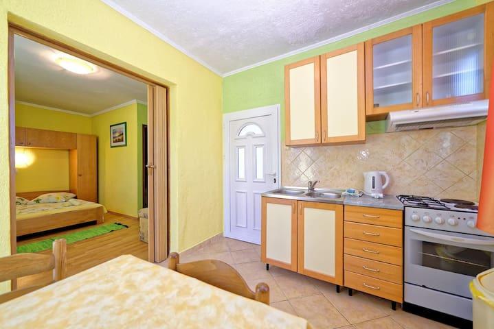 Indoors,Room,Furniture,Bedroom,Bed