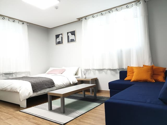 [Young House/Rooftop]DMC&Mangwon/10min to Hongdae