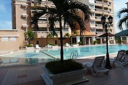 Cosy Single Bedroom in the suburbs with Wifi - Kuala Lumpur