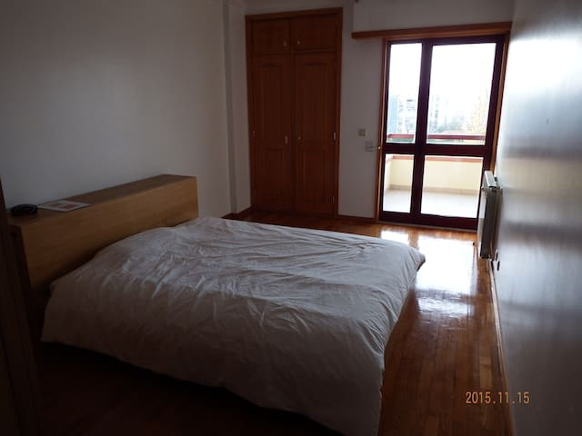 Room with private WC - Oeiras