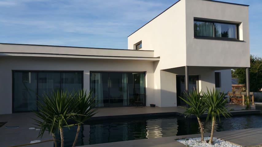 Jolie villa ensoleillée  20mn Montpellier/Nîmes