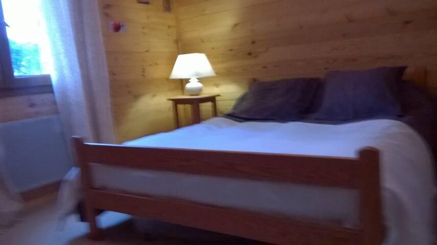 chambre d'hôtes dans maison bois - Montendre