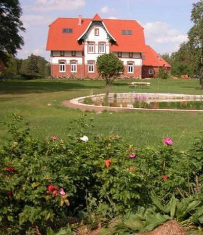 Landhaus Elbwiesen (Jugendstilhaus)