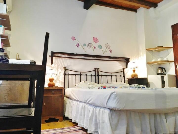 Anemoessa room