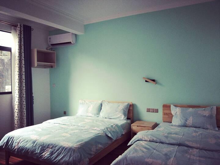市中心安全舒适便利最本土的家庭房301
