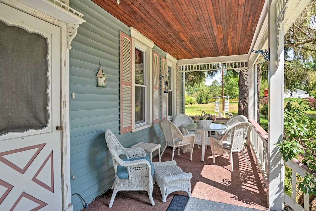 The home's quaint and charming atmosphere offers an ideal space to relax and unwind.