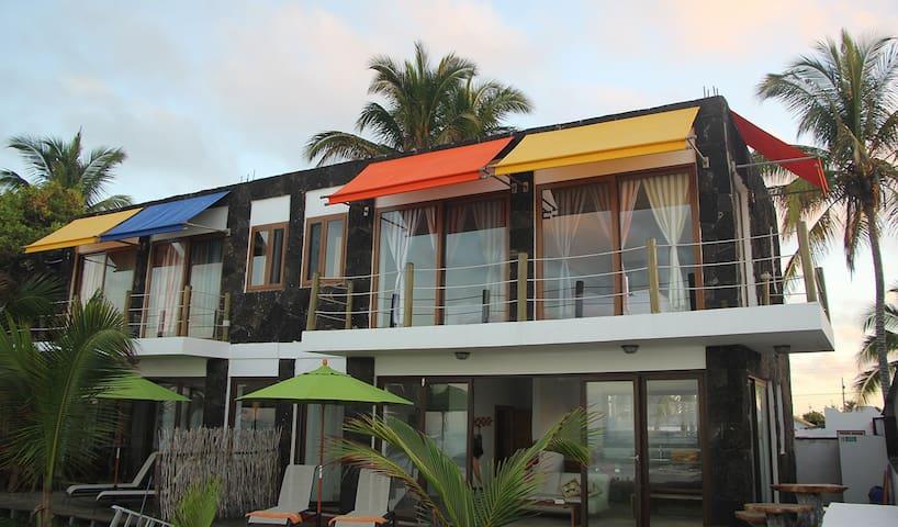 Ocean View Beach Front Villa, Mi Playa-Isabela - Puerto Villamil - Casa na Terra