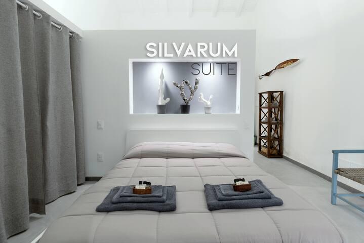 Silvarum Suite / Art - Nature - Design - Pool
