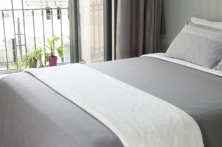 1 bedroom apartment in Thao Dien, key card access