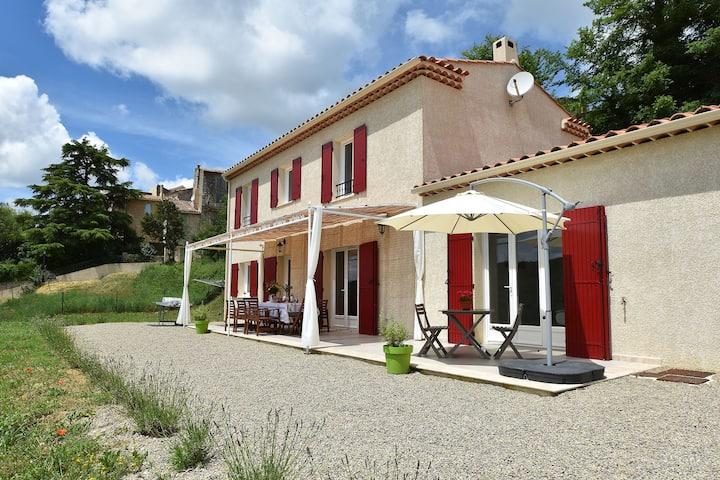 Pleasing Villa in Artignosc-sur-Verdon with Swimming Pool