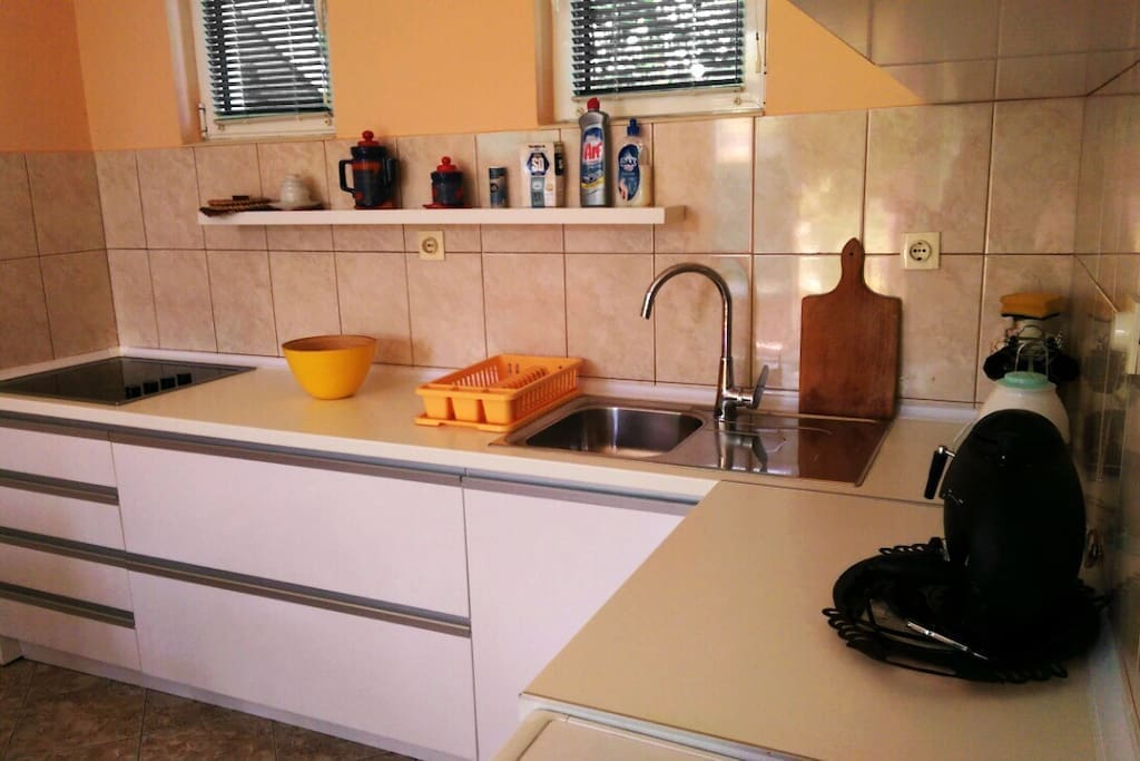 The kitchen is refurbished and completely equipped in 2015.