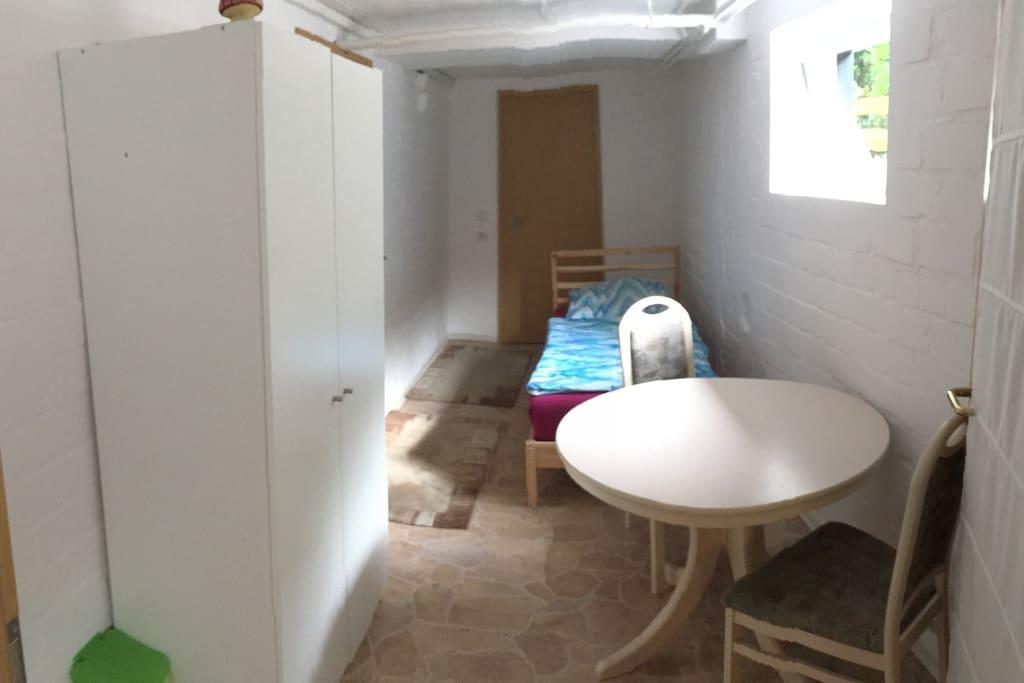 Ug3 einzelzimmer im souterrain billig aber gut h user zur miete in oberhausen nordrhein - Was ist souterrain ...