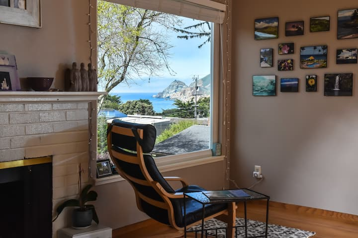 Montara Beach House ~ with White Water Views