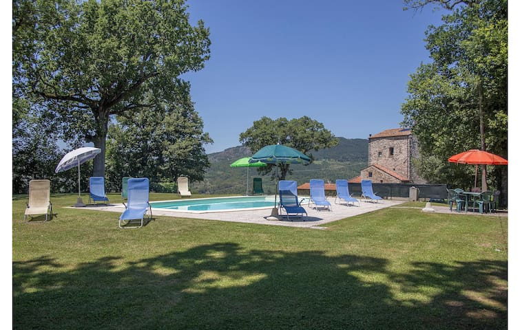 Holiday cottage with 5 bedrooms on 250m² in Pieve S. Stefano AR